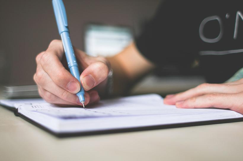 Kako svoj življenjepis prilagoditi delovnemu mestu na katerega se prijavljate?